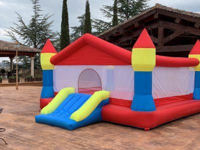 Castillo Hinchable Alquiler Genuino 1